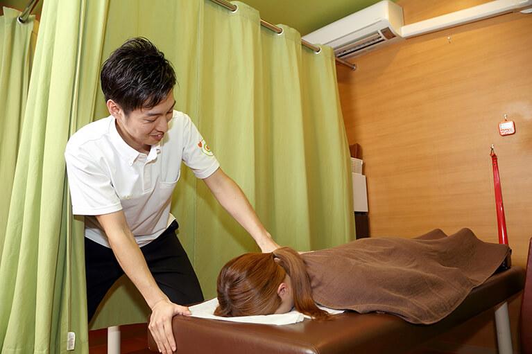 ⑤アジャスト接骨院で治療を受ける